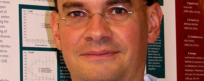 Portrait von Dr. Kristjan Plätzer