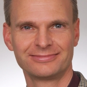 Portrait of Dr. Sebastian Schulz-Stübner from the German consulting centre of hygiene (BZH)